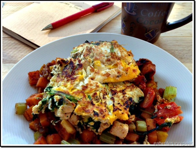 eatwriterunrepeat.com | whole30 chicken omelet with veggie hash