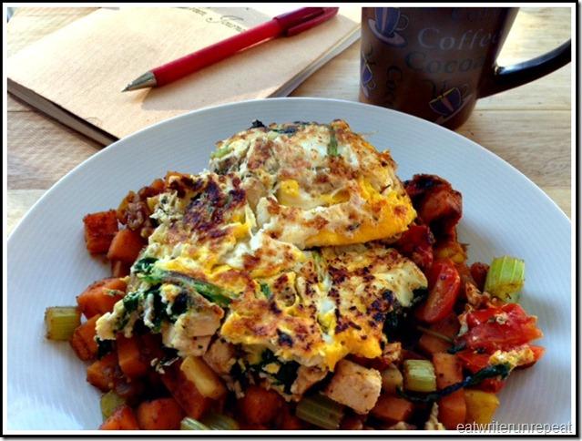 eatwriterunrepeat.com | whole30 chicken omelet with veggie hash