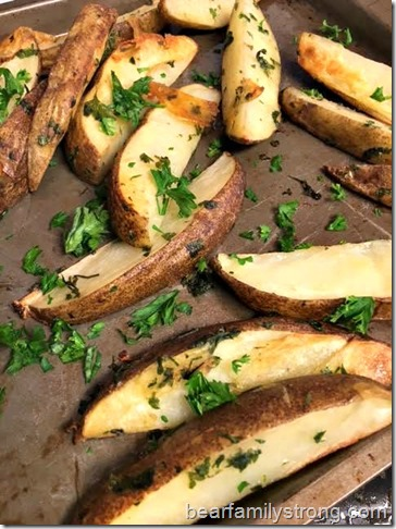 bearfamilystrong.com | oven baked potato wedges